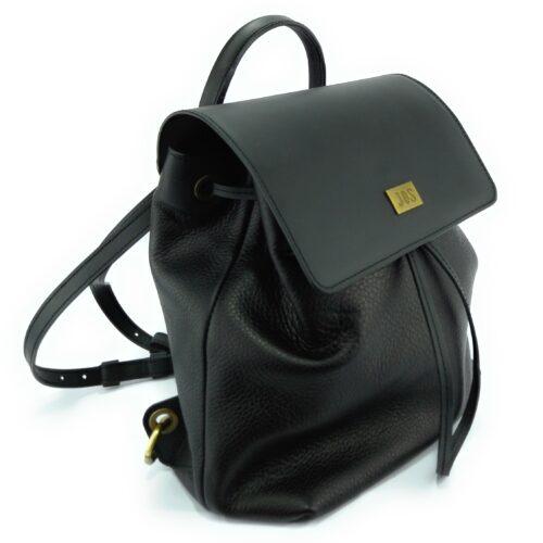 mochila de piel negro